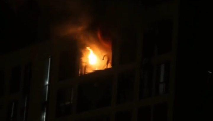 Жуткие кадры: Рабочий сгорел заживо при пожаре вмногоэтажке вБалашихе