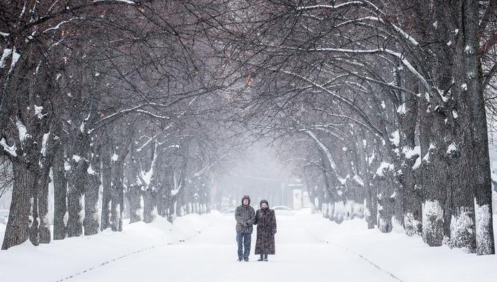 Разгребать последствия снегопада в Москве будут неделю