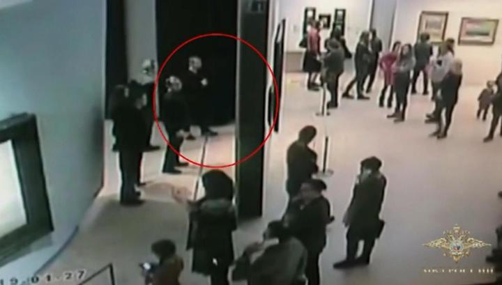 """""""Надо освежить память"""": момент похищения полотна Куинджи попал на видео"""