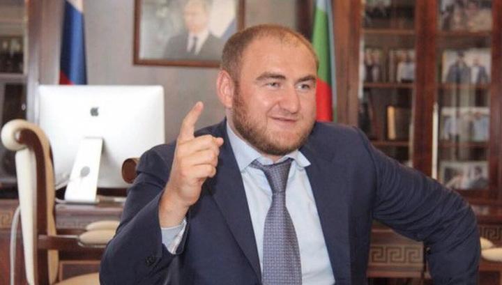 Оказалось, что задержанный сенатор Арашуков не владеет русским языком