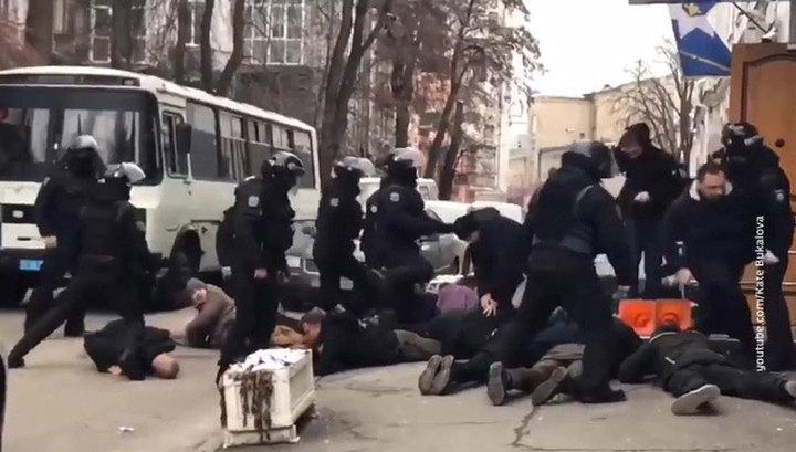 На Украине арестован полицейский, задержавший радикалов у Подольского ОВД