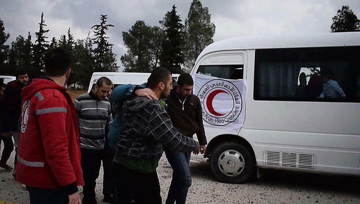 """""""Спасибо, что я остался жив"""": в Сирии состоялся обмен пленными"""