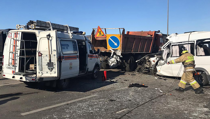 ДТП с маршруткой под Ростовом: среди пострадавших - трое детей