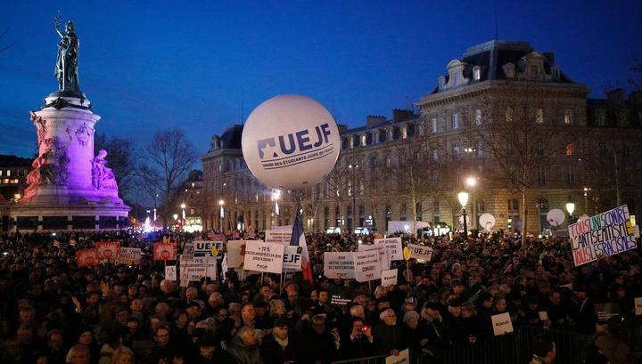 В Париже митинг против антисемитизма собрал около 20 тысяч человек