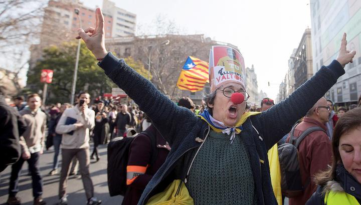 53 человека пострадали в акциях протеста в Каталонии