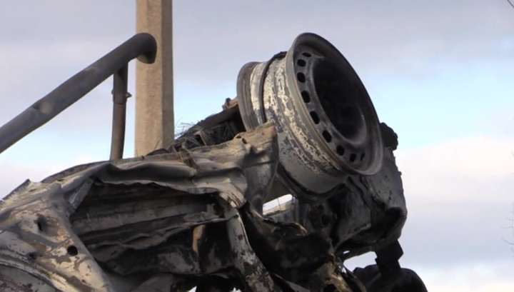 У КПП в Донбассе взорвалась машина