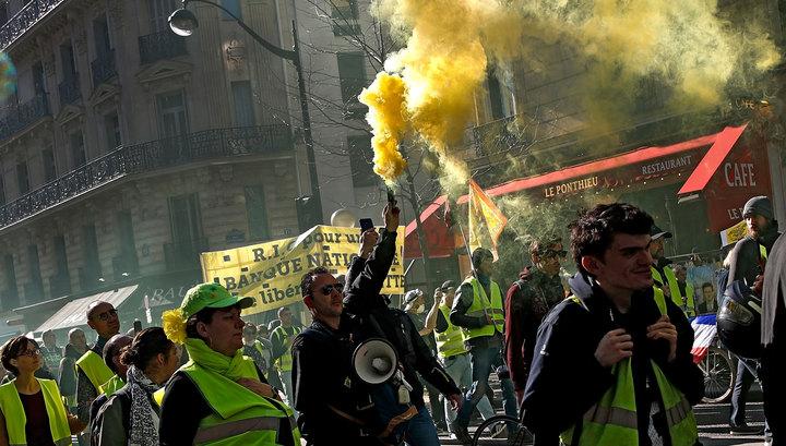 Противостояние в Париже: в ход пошли самокаты