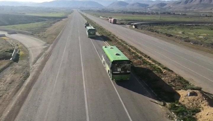 """США препятствуют эвакуации беженцев из лагеря """"Эр-Рукбан"""""""
