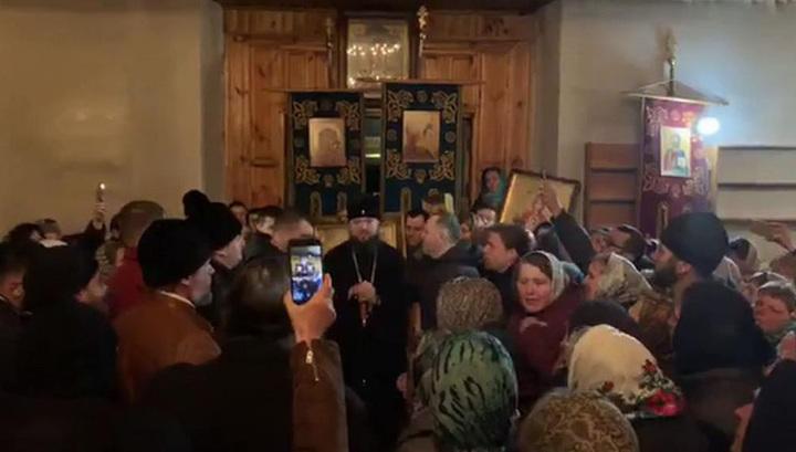 На Украине националисты попытались взять штурмом очередной храм