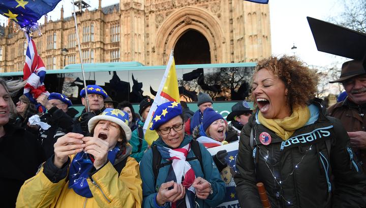 Brexit: Евросоюз сожалеет, но ничем Британии не поможет
