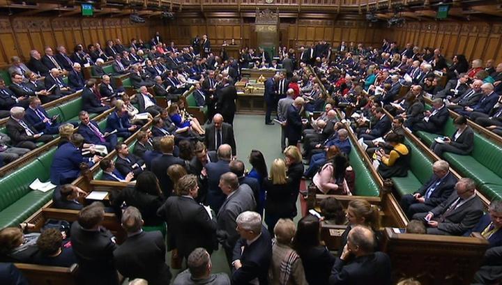 Британские депутаты согласились отодвинуть крайний срок Brexit