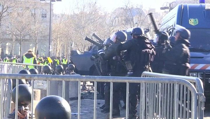 Франция: план борьбы с беспорядками и полицейские-мародеры