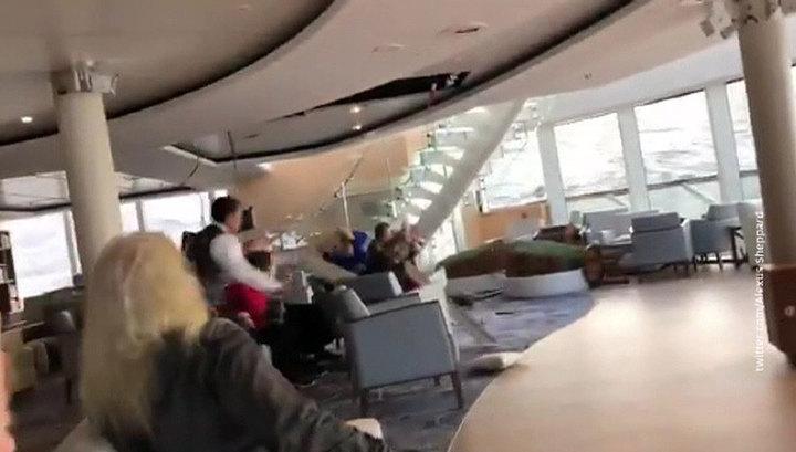 В Сеть попали видеокадры с аварийного лайнера Viking Sky
