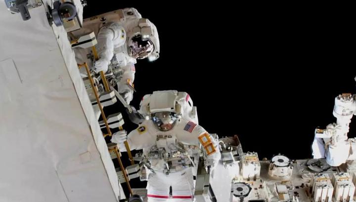 Полностью женский выход в открытый космос отменен