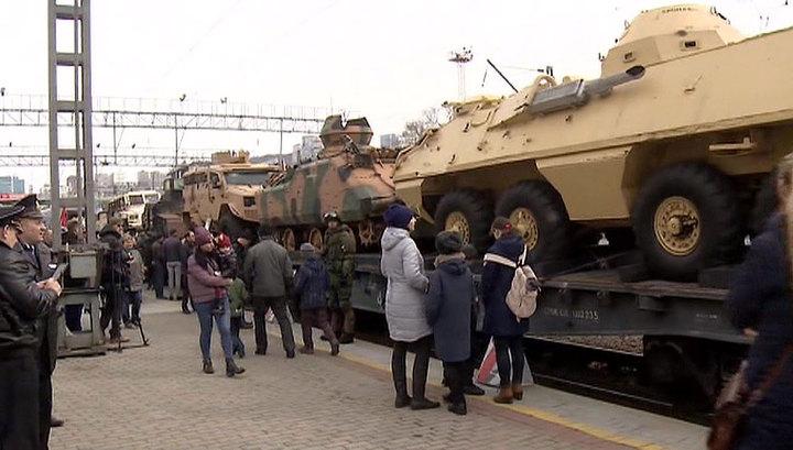 Во Владивосток прибыл поезд с военными трофеями из Сирии
