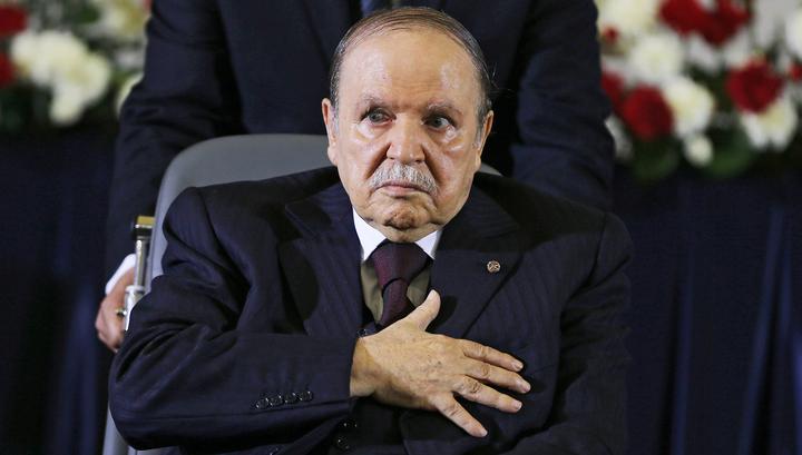 Алжир: за отставку президента высказались военные и члены правящей партии
