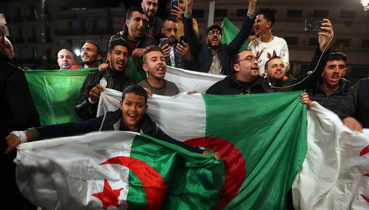 Алжир. Бутефлика не дождался политического юбилея и ушел