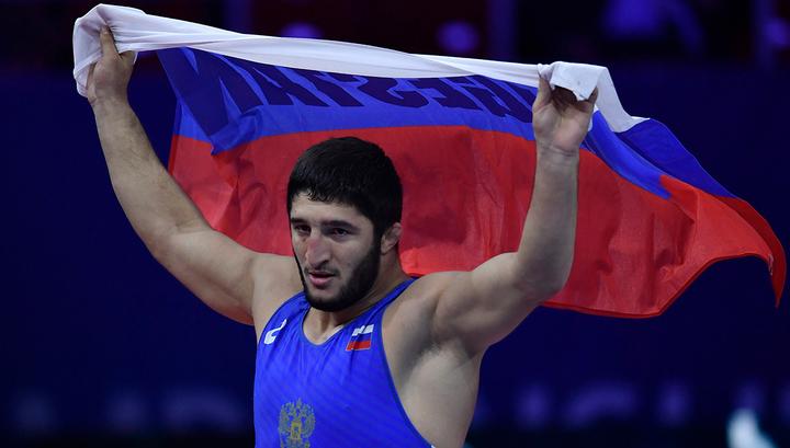 Российский борец Садулаев стал четырехкратным чемпионом мира
