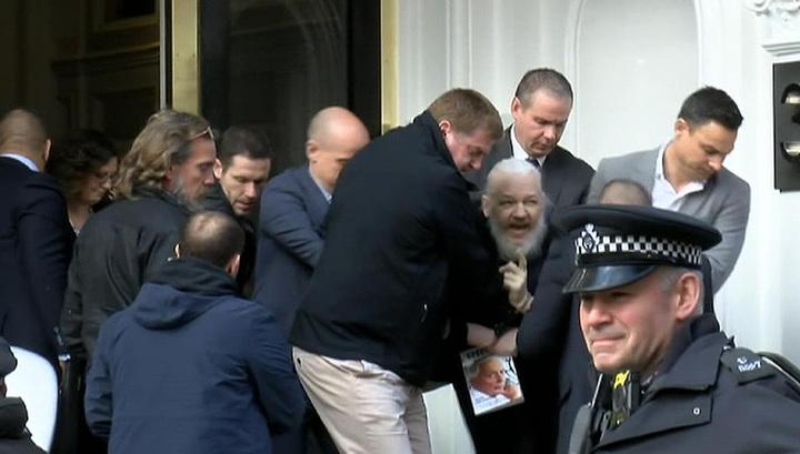 Лондонская полиция арестовала Джулиана Ассанжа