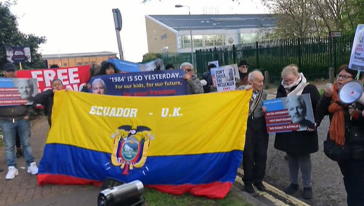 Сторонники Ассанжа устроили митинг в Лондоне
