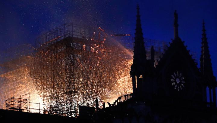 Нотр-Дам в огне: долгожданная реставрация обернулась трагедией