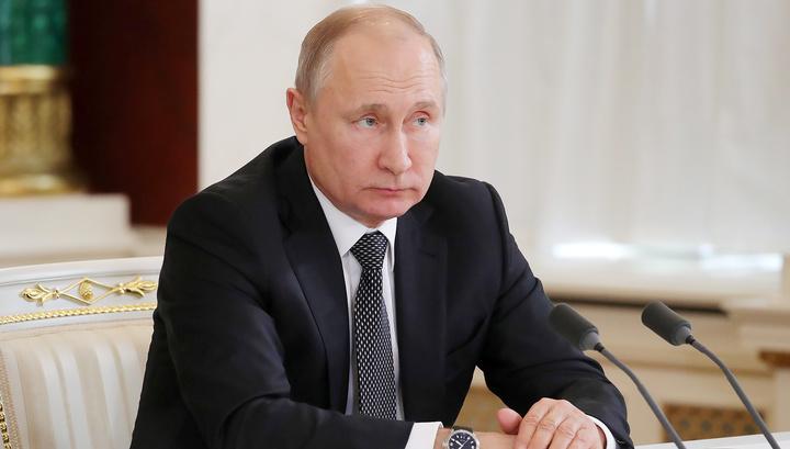 """Путин: чиновники не должны """"бронзоветь"""""""