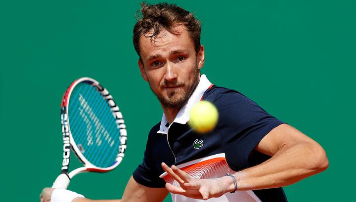 Медведев в трех сетах проиграл Пуи во втором круге турнира в Штутгарте