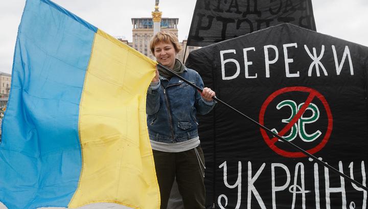 Предвыборные страсти: Зеленский не пожмет руку Порошенко