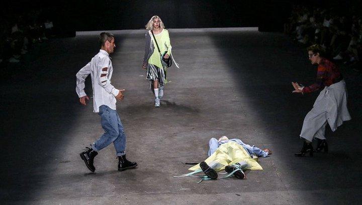 47339ad4a Вести.Ru: Участник недели моды в Сан-Паулу скончался прямо на подиуме