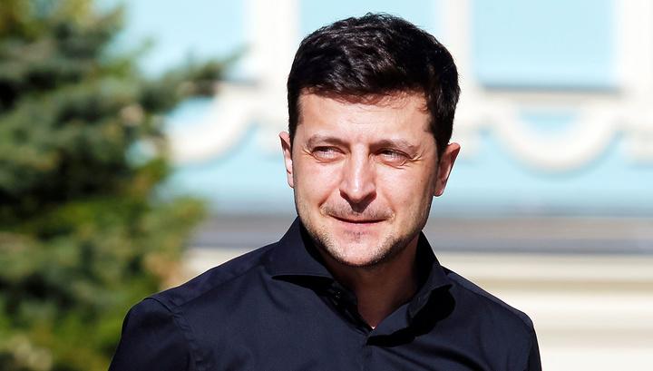 Зеленский сегодня официально вступает в должность президента Украины