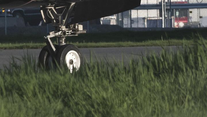 Летевший в Москву Boeing-737 аварийно сел в Тбилиси