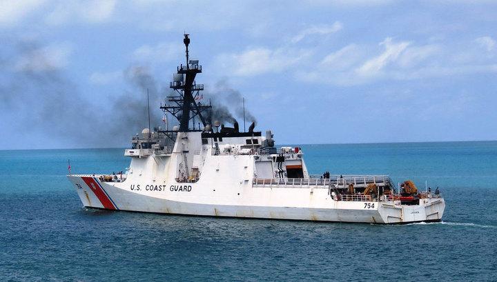 Катер ВМС Венесуэлы убедил американский корабль покинуть территориальные воды