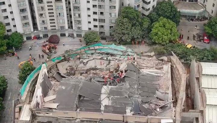 Обрушение здания в Шанхае: число погибших увеличилось до 10 человек