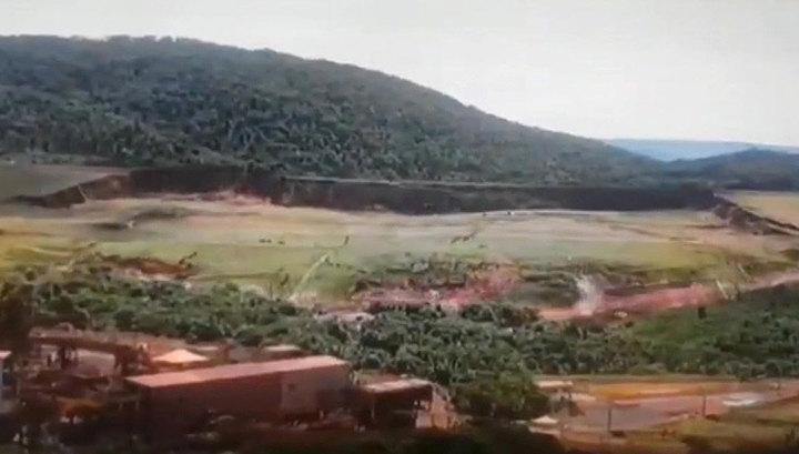 В Бразилии концерн Vale предупредил о возможном обрушении еще одной дамбы