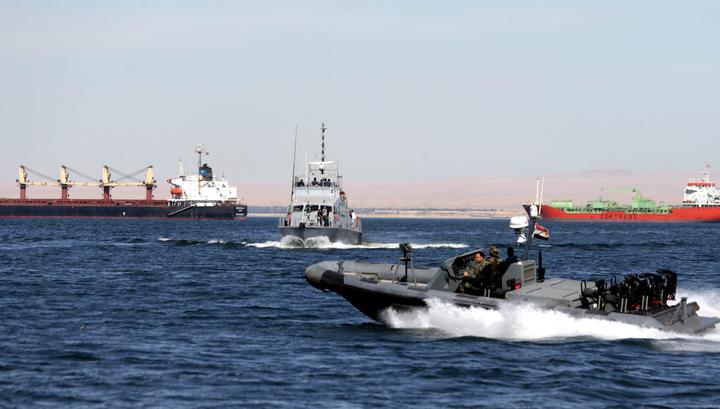 На задержанном Египтом судне находятся граждане РФ, Украины и других стран