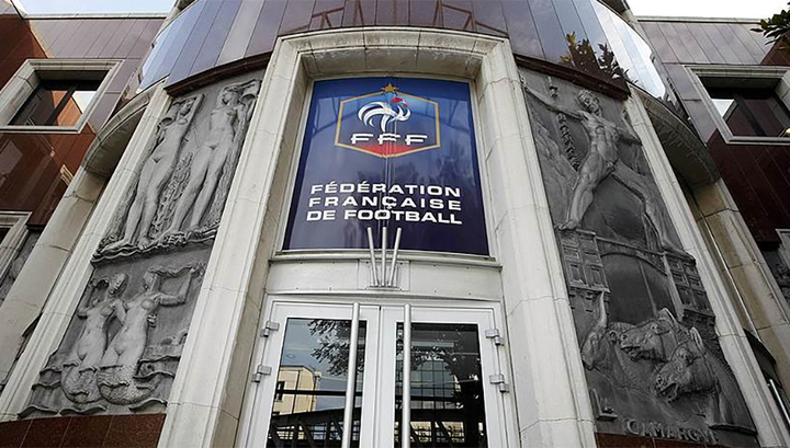 Чиновника Федерации футбола Франции обвинили в харассменте
