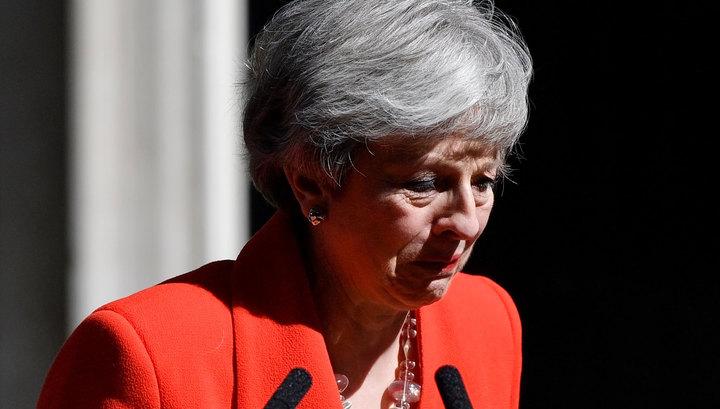Англичанка плачет: Тереза Мэй уходит вся в слезах