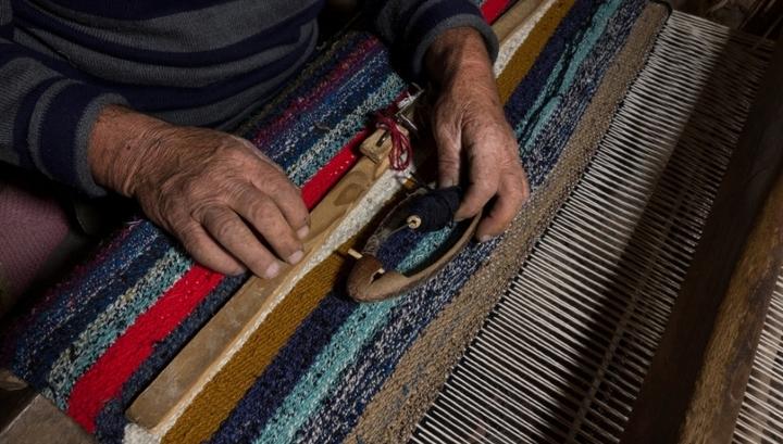 В Дагестане открыли хостел, где постояльцы могут ткать ковры