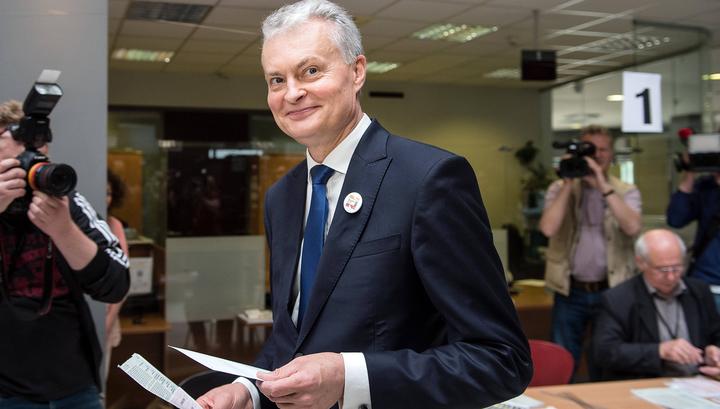 Новым президентом Литвы стал независимый экономист Гитанас Науседа