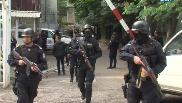 Беспорядки на севере Косова: сербы в ответ на аресты строят баррикады