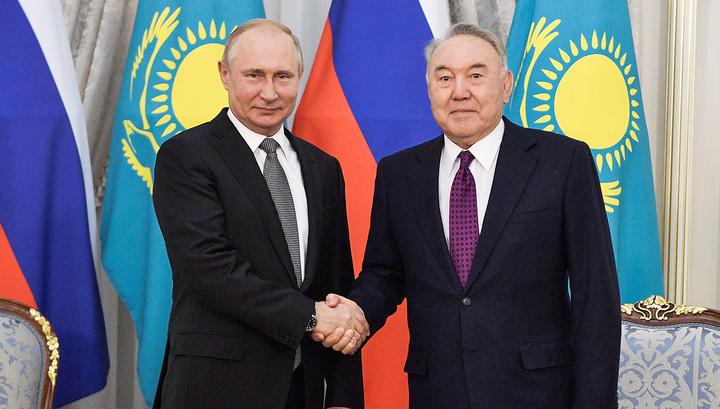 Путин прилетел в Нур-Султан