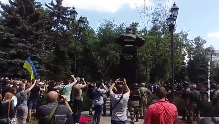 Мэр Харькова о Кучме, Донбассе и восстановлении памятника Жукову