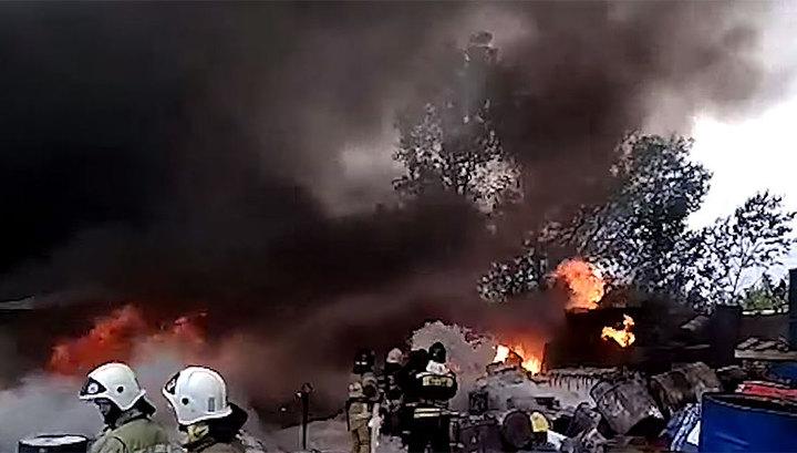 Крупный пожар в Уфе: горит территория научно-производственного предприятия
