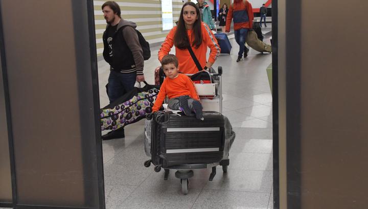 Изменяется порядок выезда детей за границу: новые правила