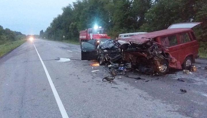 ДТП под Воронежем: следователи опрашивают очевидцев и выясняют обстоятельства аварии