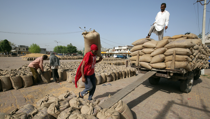 Торговые войны набирают обороты: Индия повышает пошлины на товары из США