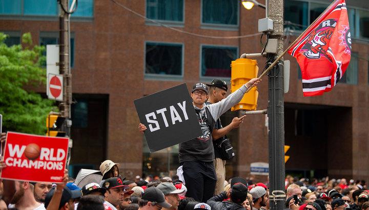 """Стрельба на параде """"Торонто"""": число пострадавших увеличилось"""