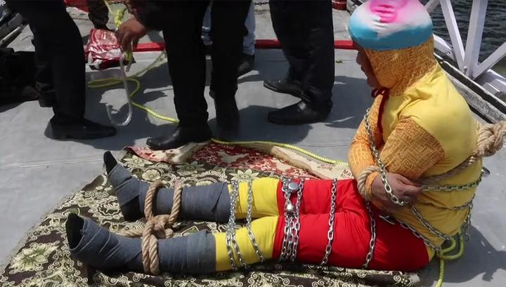 Фокус не удался: тело индийского Гудини нашли в водах Ганга