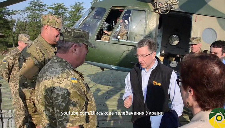 Курт Волкер: Украине пора начать покупать оружие и военную технику у США