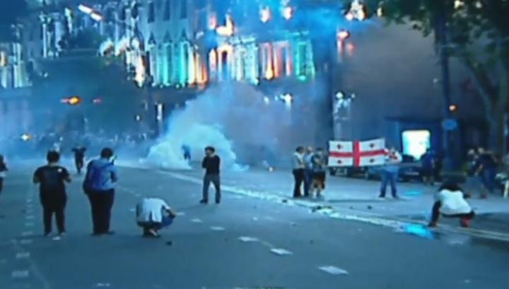Противостояние в Тбилиси: в ход пущены спецсредства